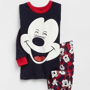 New! Baby Gap Disney Two Piece Pajama Set!